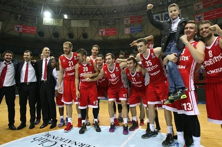 players-cedevita-zagreb-celebrates-eb15