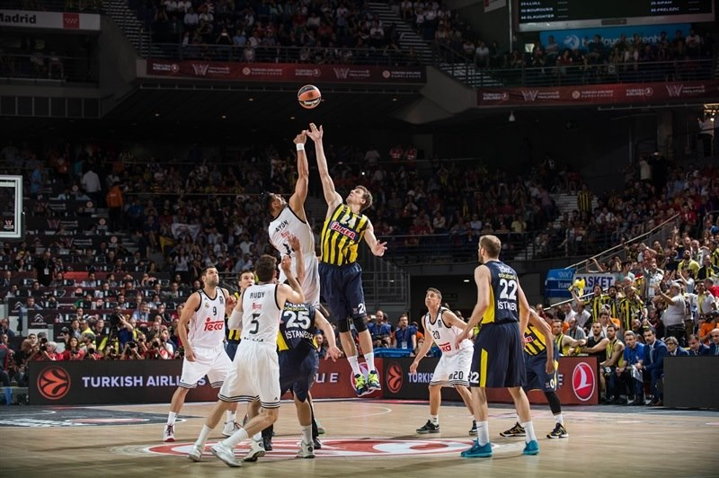 tip-off-real-madrid-vs-fenerbahce-ulker-istanbul-final-four-madrid-2015-eb14