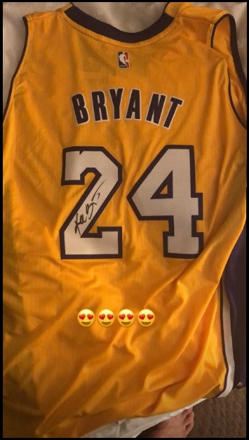 buy online 27910 a705a Luka Doncic receives signed Kobe Bryant jersey | Eurohoops