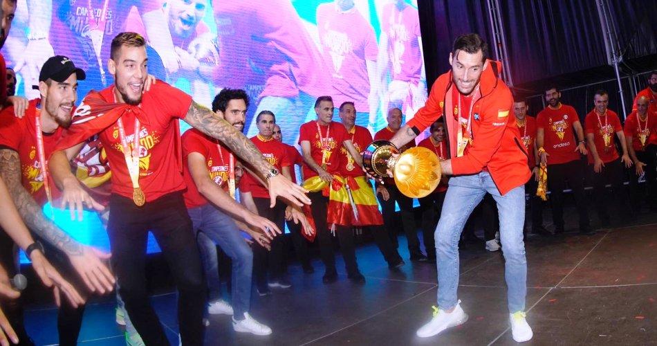Παγκόσμιο: Η Μαδρίτη υποδέχτηκε τους Παγκόσμιους Πρωταθλητές (pics)