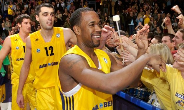 bobby_brown_alba_berlin_2007