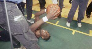 mutombo_nuggets_sonics_playoffs1994