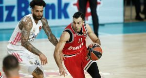 sloukas_real